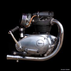 No 101: CLASSIC BSA LIGHTNING 650cc ENGINE, by Gordon Calder