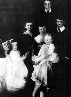 Feminist, birth control activist, Bryn Mawr graduate, mother of a star: Katharine Houghton Hepburn.