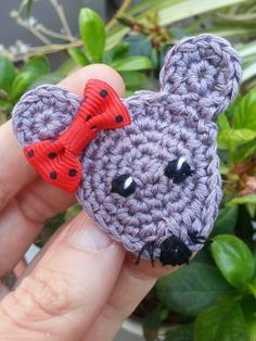 Hello Mouse brooch