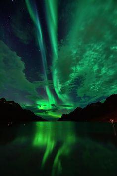 Northern Lights in Ersfjordbotn (by John A.Hemmingsen)