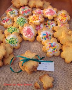 Galletas de coco Biscuit Cookies, Yummy Cookies, Cupcake Cookies, Baking Recipes, Cookie Recipes, Mexican Cookies, Delicious Desserts, Yummy Food, Latin Food