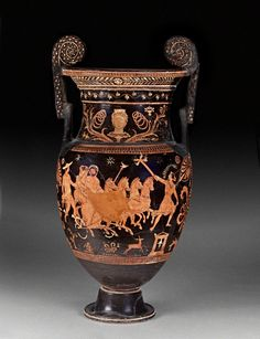 Red-figure volute krater (bowl for mixing wine and water). Painted by the Iliupersis Painter. 370 - 350 B. Ancient Greek Art, Ancient Greece, Classical Athens, Greek Mythology Art, Greek Pottery, Greek History, Roman Art, Minoan, Medieval Art