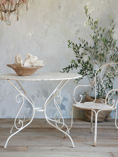 Antique White Iron Garden Table  Love!!!