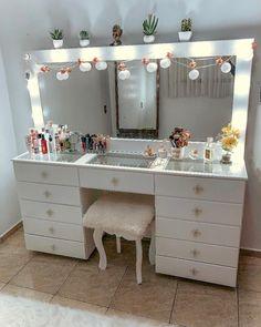 Cute Room Decor, Teen Room Decor, Room Ideas Bedroom, Bedroom Decor, Beauty Room Decor, Makeup Room Decor, Glam Room, Girl Bedroom Designs, Stylish Bedroom