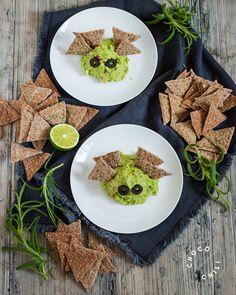 Halloween guacamole bats   Chocochili