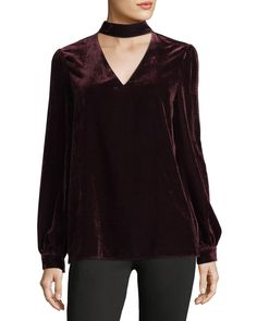 Beautiful choker v-neck long-sleeve velvet blouse by Paige! // https://rstyle.me/n/cwdetdcb5bp