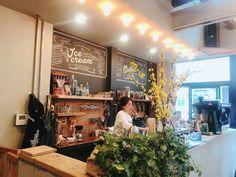 店員さんのサービスや、内装・看板デザインや、飲み口が厚いカップの感じとか、、😍. 細部までこだわっててステキなお店だったなあ #mightystepscoffeestop #新日本橋