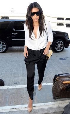 Kim Kardashian Jets Off in Low-Cut White Blouse, Almost Looks Too Hot to Get on an Airplane Kim K Style, Her Style, Rihanna, Beyonce, Look Kim Kardashian, Kardashian Fashion, Kim Kardashian Blazer, Vetements Shoes, Black And White Outfit