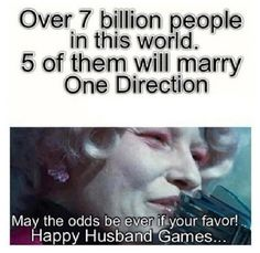Lol haha funny pics / pictures / One Direction / 1D / Hunger Games Humor / Effie
