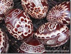 kraszanki, ovos decorados com cera e tingidos com corantes naturais