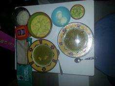 gooi er maar in soep (soto, rijst aardappelen komkommer ei gebakken ui boontjes kip)