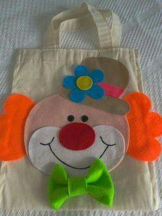 Bolsas de manta y fieltro de payasos Clown Crafts, Circus Crafts, Felt Crafts, Diy And Crafts, Crafts For Kids, Clown Party, Circus Theme, Circus Party, Clowns