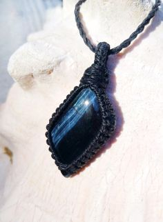 Hawk's Eye Macramé Necklace / Healing Crystals and Stones / Blue Tiger's Eye / Unique Gifts / Men's Necklace / Chakra Jewelry