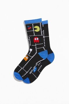 Soft knit socks in a classic crew-length featuring allover PAC-MAN graphics. Finished with contrast toe, heel and cuff. Funky Socks, Crazy Socks, Cute Socks, Colorful Socks, Colourful Outfits, Book Socks, Unique Socks, Knitting Socks, Knit Socks