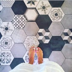 Inspired by this amazing pic by what a cool way to lay our 'Casablanca' Hexagons. Flooring For Stairs, Best Flooring, Kitchen Flooring, Unique Flooring, Flooring Ideas, Floor Design, House Design, Home Interior Design, Interior Decorating