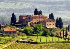 Yoga and Walking in Tuscany | LETSGLO #italy #yoga #holiday