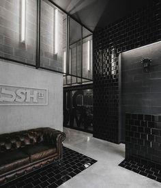 Breaking a Sweat at Krush-it Boutique Fitness Club by Estúdio AMATAM in Braga, Portugal Club Design, Gym Design, Gym Interior, Bathroom Interior, Design Bathroom, Bathroom Ideas, Boutique Fitness, Fitness Club, Accor Hotel