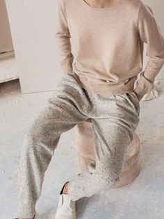 Interview with Arela, a family-run clothing brand from Helsinki. Cashmere knits and cotton jersey, contemporary yet timeless and understated. Fashion Mode, Moda Fashion, Womens Fashion, Fashion Brands, Style Fashion, Luxury Fashion, Athleisure, Mode Style, Style Me