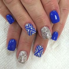 Make way for this royal blue and silver glitter ensemble. The nails are coated with royal blue matte and accented with silver glitter topped with royal blue symbols painted on top. If you want to look classy and sassy then this is the nail art to go for. Prom Nails, My Nails, Winter Nails, Summer Nails, Nail Ideas For Winter, Gorgeous Nails, Pretty Nails, Silver Nail Art, Silver Glitter
