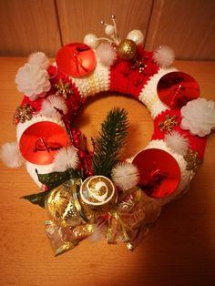 Ornament Wreath, Ornaments, Christmas Wreaths, Holiday Decor, Home Decor, Decoration Home, Room Decor, Christmas Decorations, Home Interior Design