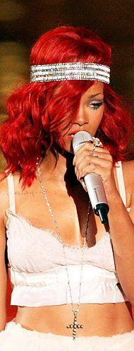 Proof That In 10 Years, Rihanna Has Had Every Hairstyle Ever Rihanna Fan, Rihanna Style, Rihanna Hairstyles, Celebrity Hairstyles, Black Women Celebrities, Headband Styles, Dye My Hair, Hair Highlights, Red Hair