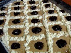 Nemůžete se rozhodnout, jestli máte chuť na tvaroh či povidla Healthy Cooking, Sweet Recipes, Waffles, Cheesecake, Pie, Treats, Baking, Breakfast, Coffee