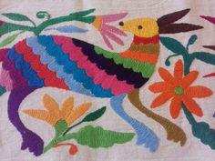 Bordados Otomies hechos a mano OTOMI embroidery. TENANGO,Hidalgo.MÉXICO !!! Bordados de Tenango, manteles, caminos, servilletas, ropa, bolsos tipo clutch....Visita nuestra pagina de Face https://www.facebook.com/holasenorita  Whats. 5514771431. SENDING WORLWIDE ✈🌎✈🌏✈🌎