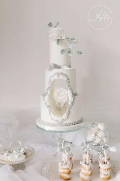 Luxury wedding cakes & dessert tables in Dorset & Hampshire - wedding - Happy Wedding Luxury Wedding Cake, White Wedding Cakes, Elegant Wedding Cakes, Beautiful Wedding Cakes, Wedding Cake Designs, Wedding Cupcakes, Elegant Cakes, Silver Wedding Colours, Purple Wedding