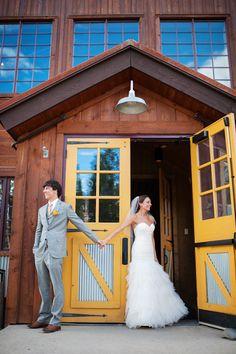 Rustic and fun Breckenridge Colorado wedding, photos by Kira Horvath Photography | junebugweddings.com