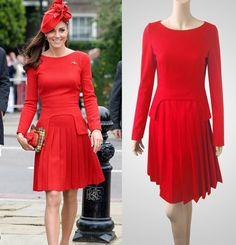 Peplum rouge robe avec jupe plissée inspirée par TatianasDelights