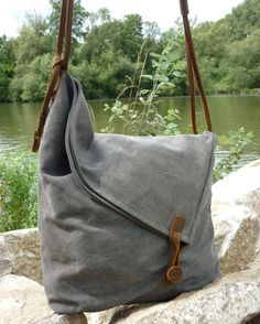 Canvas Bags – Canvas Shoulder Bag – a unique product by NordlichtBags on DaWanda. Visit for more DIY Bags and Purses ideas. Sacs Tote Bags, Duffle Bags, Diy Tote Bag, Diy Purse, Clutch Bags, Diy Bags Purses, Purses And Handbags, Canvas Shoulder Bag, Shoulder Bags