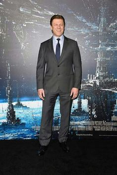 """Sean Bean Photos - Actor Sean Bean arrives at the Premiere of Warner Bros. Pictures' """"Jupiter Ascending"""" at TCL Chinese Theatre on February 2015 in Hollywood, California. - 'Jupiter Ascending' Premieres in Hollywood — Part 3 Jupiter Ascending 2, Game Of Thrones Cast, Sean Bean, In Hollywood, Hollywood California, Man Crush Monday, Warner Bros, The Man, Actors & Actresses"""