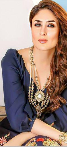 Kareena Kapoor Khan, Hot, Blue, Jewelry, Fashion, Moda, Jewlery, Jewerly, Fashion Styles