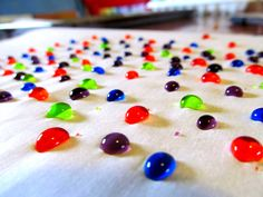 Creating Homemade Happiness While Raising Homegrown Girls: Colored Water Droplet Art. So cool!!