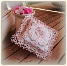 El goce de la aguja y el pincel: Jardín de rosas
