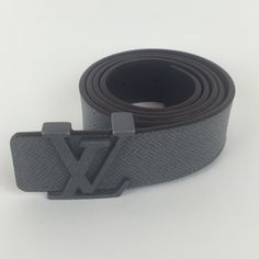 Louis Vuitton LV belt This belt is in like new pre loved condition it shows no signs of wear and is a size 36 Louis Vuitton Accessories Belts