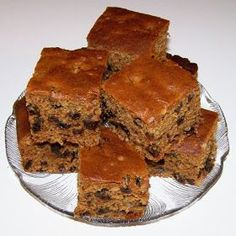 Dads like simple cakes with no fru-fru, so why not serve this old-fashioned cake on Father's Day. - Boiled Raisin Cake Recipe - Desserts at BellaOnline Boiled Raisin Cake Recipe, Boiled Fruit Cake, Baking Recipes, Cake Recipes, Dessert Recipes, Greek Desserts, Just Desserts, Poor Mans Cake Recipe, Raisin Sec