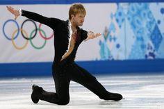 ソチ冬季五輪、フィギュアスケート団体戦、男子シングル・ショートプログラム(SP)。演技に臨むエフゲニー・プルシェンコ(Yevgeny Plushenko、2014年2月6日撮影)。(c)AFP=時事/AFPBB News