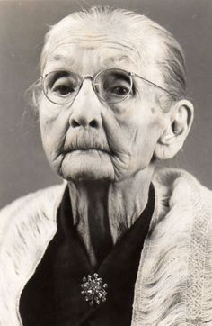 Old lady woman wrinckles aged lines of Life cracks in time powerful face intense strong glasses grey emotionel portrait photo b/w People Photography, Portrait Photography, Street Photography, Photography Gifts, Landscape Photography, Nature Photography, Fashion Photography, Wedding Photography, Old Age Makeup
