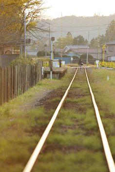 小湊鉄道 上総久保駅 Japan Train, Beautiful Places, Beautiful Pictures, Life Pictures, Train Tracks, Art And Architecture, Aesthetic Pictures, The Locals, Landscape Photography
