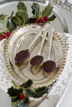 Christmas chocolate spoons for tea Christmas Tea Party, Christmas Open House, Southern Christmas, Christmas Home, Holiday Parties, Christmas Holidays, Elegant Christmas, English Christmas, Tea Parties