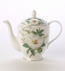 Made of fine Bone China by Stechcol and imported from England, the Magnolia Rose 6 cup teapot brings a scent of nature with a beautifully white colored magnolia.