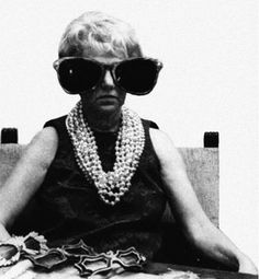 Image courtesy The Peggy Guggenheim Collection. Peggy Guggenheim , if you don't already know, was quite a gal. She acquired art (and men). Peggy Guggenheim, Elsa Schiaparelli, Ray Ban Sunglasses Outlet, Man Ray, Eccentric, Old Women, Ikon, Teen Fashion, Fall Outfits