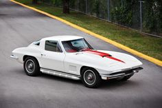 1967 CHEVROLET CORVETTE 327/350 COUPE