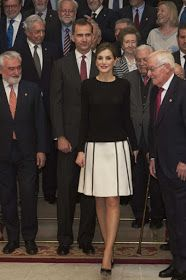 King Felipe VI of Spain and Queen Letizia of Spain attend the Presidency of the Plenary of the Spanish Royal Academy of Language 'RAE' on June 2016 in Madrid, Spain. Queen Fashion, Royal Fashion, Women's Fashion, Marie Chantal Of Greece, Style Royal, Spanish Royalty, Estilo Real, The Royal Collection, Spanish Royal Family