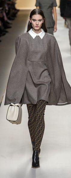 Fendi Fall-winter 2018-2019 - Ready-to-Wear - http://www.orientpalms.com/Fendi-7139 - ©ImaxTree