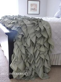 Make your own ruffled throw.