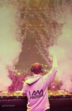 Hardwell at the Ultra Music Festival Miami Best DJ to jump to https://www.youtube.com/watch?v=MaUWsBNIn9o#t=27