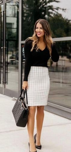 26 Latest Women Work Outfits Ideas 2019 - Readytomeal.com