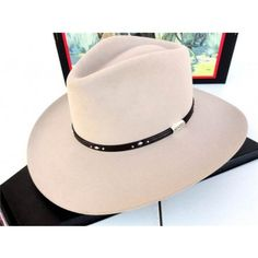 Similar style to hats worn by George Strait. Made byRodeo King Hats, U SA. Western Cowboy, Cowboy Hats, King Hat, Felt Hat, Haberdashery, Panama Hat, Cake Brownies, Fur, Boots
